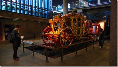 Museum_of_London_interior_Lord_Mayors_Coach